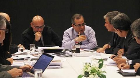 Ministro de Educación y gobernadores regionales analizan agenda educativa prioritaria
