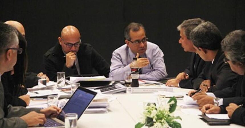 103448-ministro-educacion-gobernadores-regionales-analizan-agenda-educativa