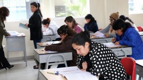 Aprueban predictamen que daría beneficios mensuales para docentes contratados