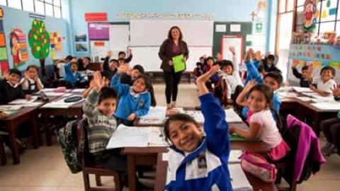 Sobre la nefasta idea de que cualquiera puede enseñar en la educación básica, un artículo de Susana Frisancho