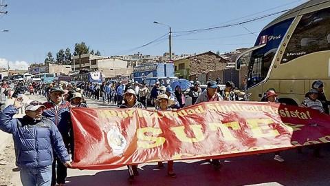 Cusco: Maestros siguen en pie de lucha y protestas podrían prenderse en el país