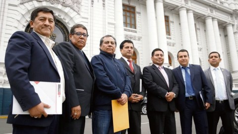 Directores DRE piden postergar descuentos para huelguistas