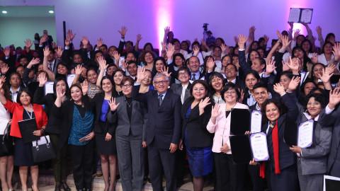 Minedu premió a 143 docentes en concurso de buenas prácticas