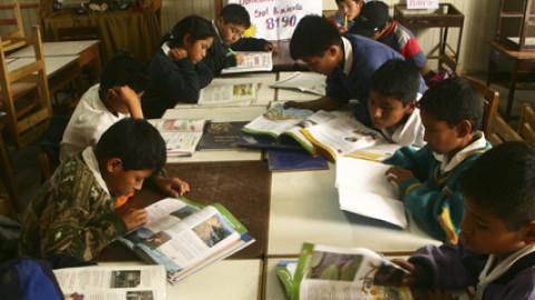 Defensoría del Pueblo: Material educativo aún no llega a escuelas rurales