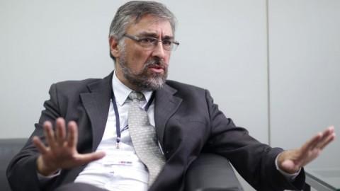 """Entrevista a viceministro de Gobernanza Territorial: """"En lo posible no firmaremos más actas"""""""