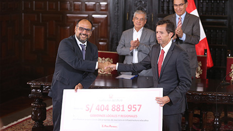 Transfieren 404 millones de soles a gobiernos regionales y locales para infraestructura educativa