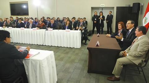 Vizcarra: Descentralización permite acercamiento del Estado