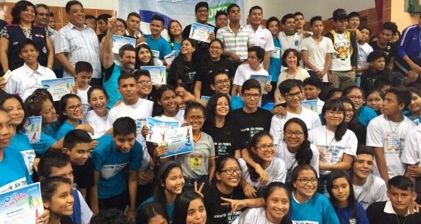 Iquitos-Unos-22-mil-escolares-participaron-en-campana-de-Unicef-Foto-Unicef-617x351