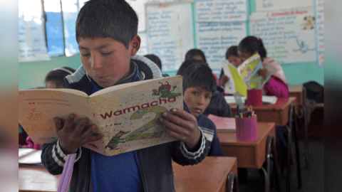 Sutep reclama aumento del presupuesto para educación de niños shipibos o awajún