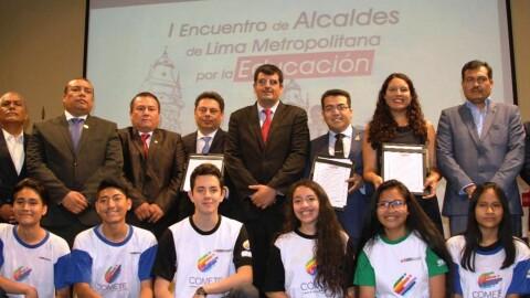 Alcaldes de Lima firman compromiso por la educación