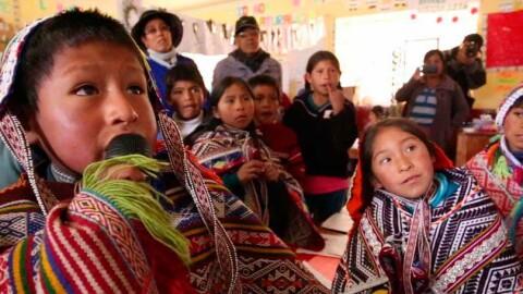 Docentes de pueblos originarios defienden EIB
