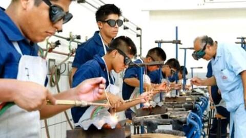 Más de 250 mil estudiantes de Cetpro recibirán título a nombre de la Nación