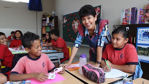 Profesores tendrán incremento de remuneraciones en marzo