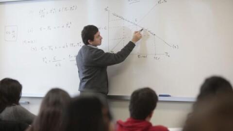 MEF transfiere más de S/ 41 millones a gobiernos regionales para pago a profesores