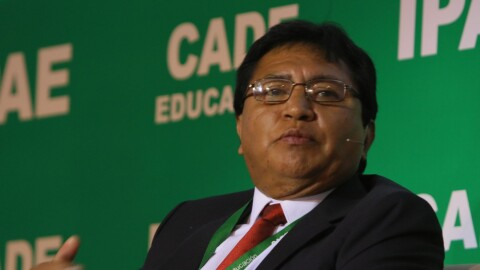 Ojo Público:  secretario del Sutep  indicó que gobierno no entrega bono a maestros con posgrado