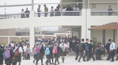 Contraloría: 89% de colegios públicos no tiene psicólogos