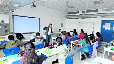 Colegios privados podrían retirar alumnos que adeuden tres meses