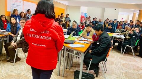 Nueve DRE y sus UGEL recibieron capacitación en implementación de Currículo Nacional