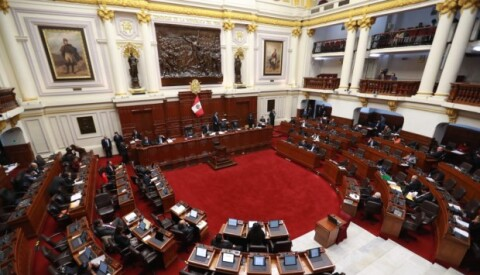 Polémica por designación de Arimborgo y Bartra en presidencia de comisiones
