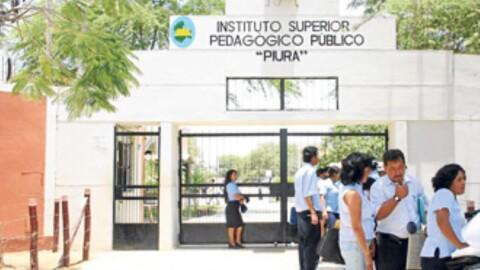 Docentes de institutos pedagógicos darán examen para seguir en la carrera