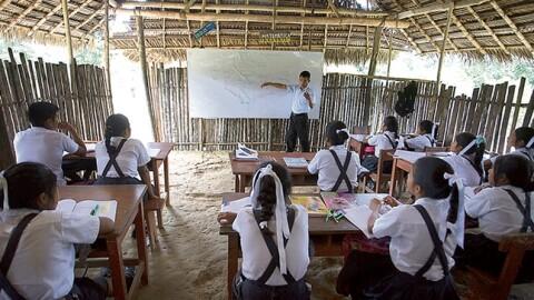 En 16 mil colegios rurales enseñan 'docentes' que solo tienen secundaria completa