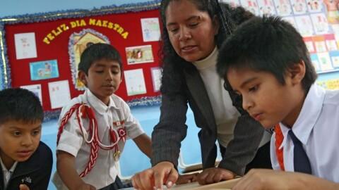 Salario de entrada de maestros aumentaría a S/ 2400 en 2020