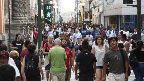 INEI: Más del 50% considera que la democracia funciona muy mal en el Perú