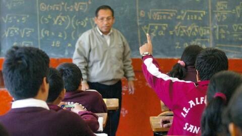 Minedu: unos 400 mil profesores recibirán un aumento salarial este mes