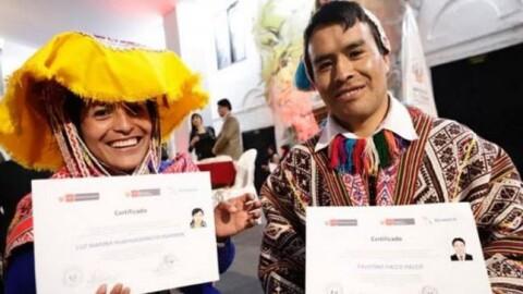 Cusco: certifican a 422 servidores públicos que pueden atender en quechua