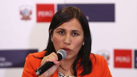 """Flor Pablo al Sutep: """"Les pido que replanteen hacer un paro"""""""