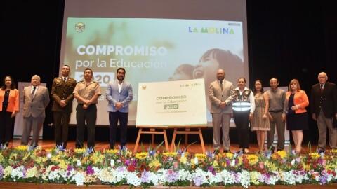 DRELM: Firman compromiso por la educación 2020 para promover escuelas de ciudadanía