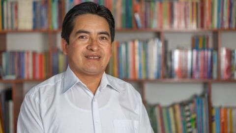 """Profesor cajamarquino entre los 50 finalistas al """"Nobel de Educación"""""""