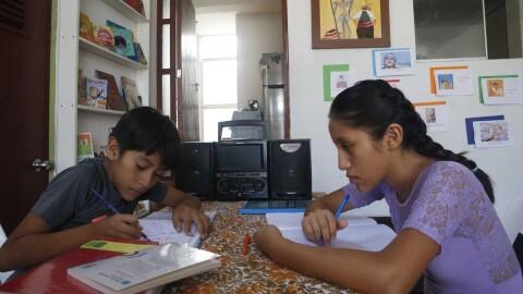 """Puno: """"La educación presencial no es igual a la educación a distancia, pero es la única opción que tenemos"""""""