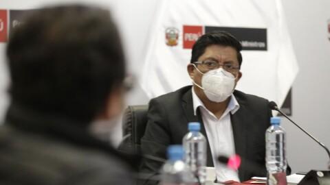 Zeballos: El Perú ya no puede ser el mismo y debe priorizar salud y educación