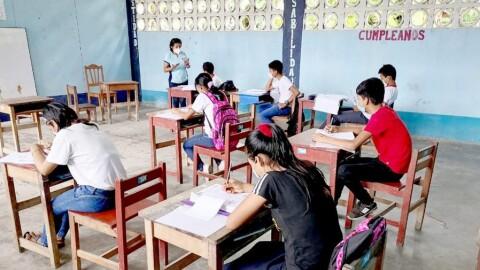 Cerca de 5 mil escolares de Loreto iniciaron clases en aulas