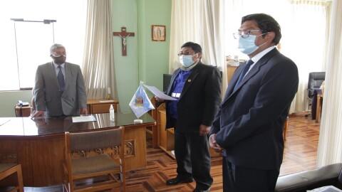 Puno: Designan a Hugo Apaza Quispe como director regional de Educación